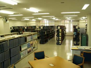 神戸市:中央図書館フロアガイド2号館4階