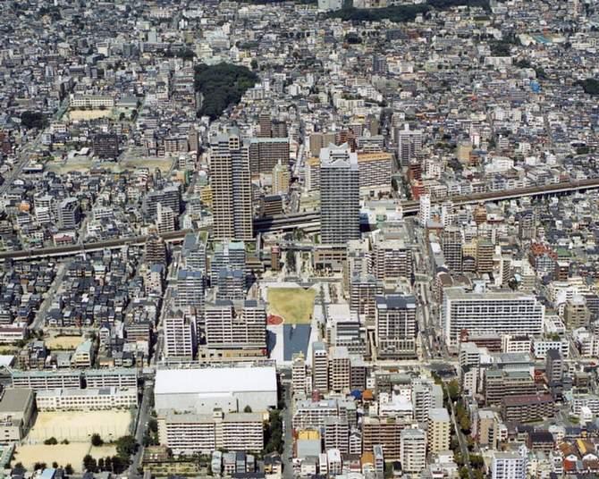 神戸市:神戸の再開発 六甲道駅...
